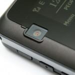 DX650內置的200萬像素鏡頭位於手機一面,但是不能用作視像通話。