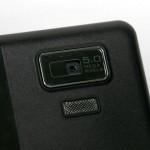內置500萬像素自動對焦鏡頭,用於拍攝相片及短片。