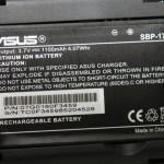 P835的電池容量為1,100mAh,跟機也附送多一枚電池使用。