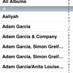 選擇iTunes歌曲資料庫的話,便會進入另一畫面,裡面的以大碟名稱及演出者等列出歌曲內容,其介面跟iPod有點相近,點選後便可即時播放。