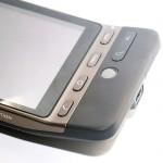 手機的機身只有數個按鈕作操控,另外也獨有的Track Ball以及便單手操控。